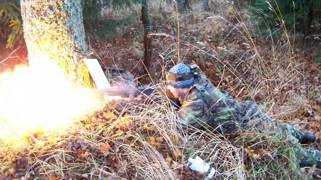 Poručík Petr Böhm ze skupiny OPFOR připravil vojákům perné chvilky.