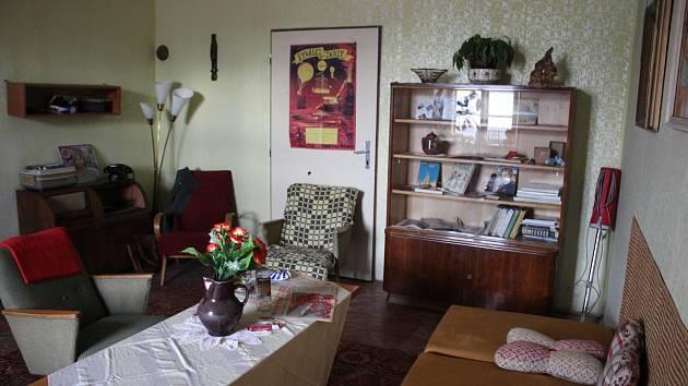 Výstava Chodbou do socíku v krumlovských klášterech vás vrátí o pěkných pár let zpátky do minulosti.