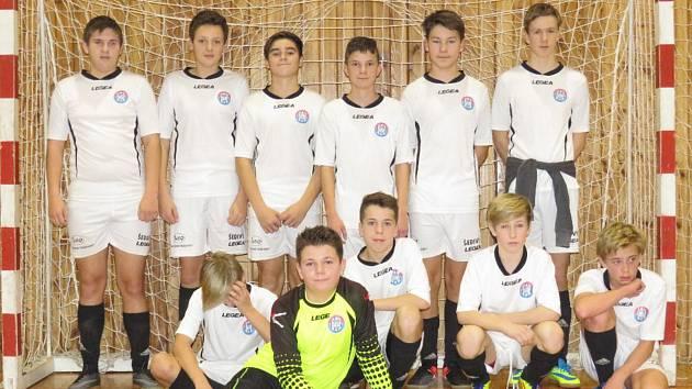 Při loňském Moucha Cupu skončili starší žáci Spartaku Kaplice (na snímku) těsně pod stupni na čtvrtém místě.