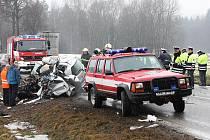 Smrtelná dopravní nehoda na mezinárodní silnici E 55 mezi Velešínem a Netřebicemi.