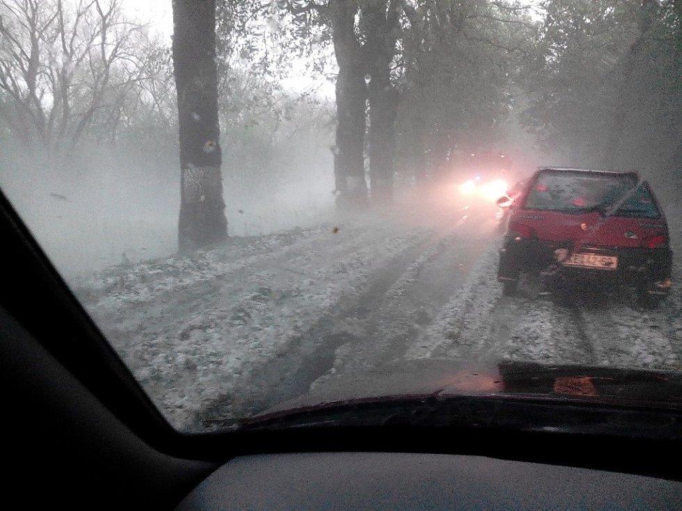 Na cestě z Chvalšin do Křenova.