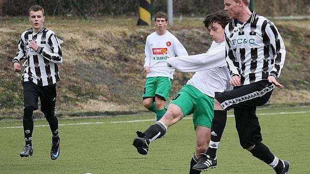 Přípravné fotbalové utkání / FK Slavoj Český Krumlov starší dorost - FK Spartak Kaplice B 5:1 (2:0).