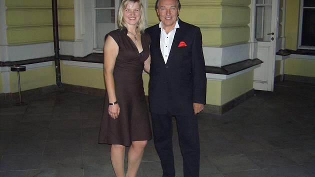 Jitka Tomšíčková s Karlem Gottem.