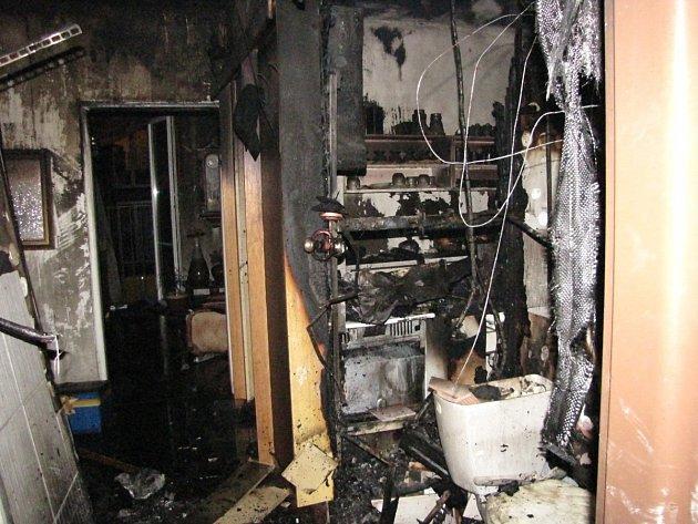 Požár bytovky na Špičáku.