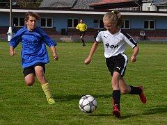 OP starší žáci - 5. kolo: Frymburk / Lipno (modré dresy) - Holubov / Křemže 0:2 (0:0).
