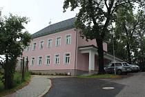 Bývalá školka se po rekonstrukci proměnila na dům pro spolky.