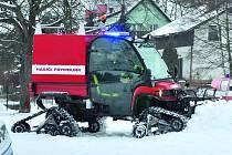 Nová speciální čtyřkolka, kterou si pořídili frymburští hasiči na úpravu ledu.