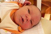 V sobotu 24. října 2015 dvě minuty po šesté hodině ranní se Lence a Tomáši Fošumovým z Českého Krumlova narodil syn Šimon Fošum. Na chlapečka s mírami 50 centimetrů a 3475 gramů doma čekala šestiletá sestřička Klárka. Šťastný otec byl u porodu.