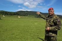 Nebezpečí hrozí těm, kdo vstupují mimo povolené cesty do boletického vojenského prostoru. A někteří civilisté si pletou Boleticko se smeťákem.