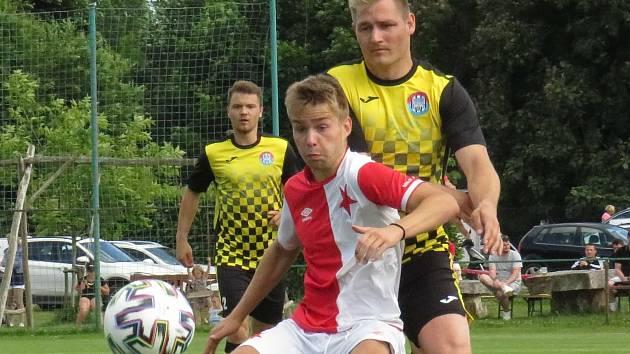Kapličtí fotbalisté zvítězili na hřišti budějovické Slavie 4:0 a stali se vítězi turnaje, který pořádá Sokol Kamenný Újezd.
