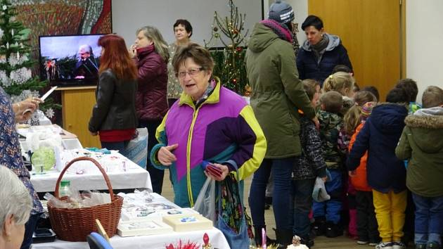 Vánoční výstava Klubu seniorů ve Větřní.