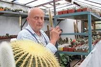 Pavel Randa a jeho kaktusy ve Velešíně.