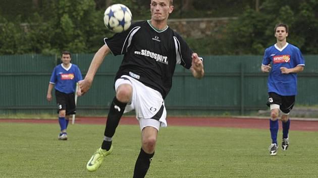 Středopolař Michal Kroupa se na obratu Slavoje podílel vyrovnávací trefou na 1:1 a vysloužil si pochvalu trenéra Pintéra.