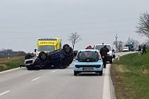 K nehodě tří aut došlo mezi Chabičovicemi a Mirkovicemi na Českokrumlovsku.