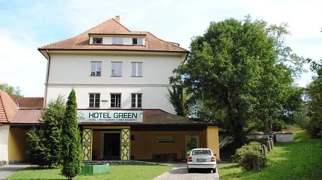 Hotel Green, bývalý hotel Golf, ve Větřní v bývalé Spirově vile.