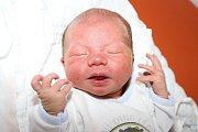 Prvorozený Lukáš Hruška vykoukl na tento svět v úterý 29. září 2015 ve 13:14, měřil 50 centimetrů a vážil 3225 gramů. Se svými rodiči Kristýnou Šulcovou a Lukášem Hruškou, kteří byli u porodu společně, bydlí novorozený chlapeček v Kaplici.