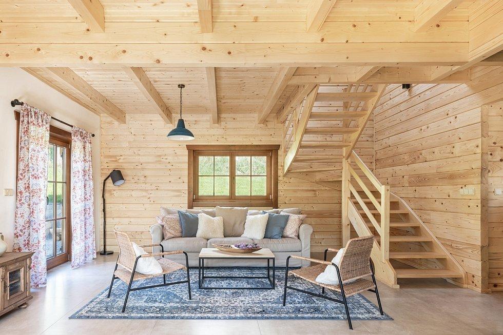Roubenka u tří skřítků, Montesara interiors; Vítěz veřejného hlasování v kategorii Dřevěné interiéry – realizace.