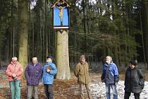 Dpolečnost žebříkového kamene na Kleti u Modrého obrazu.
