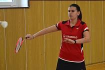 Nejúspěšnější hráčka turnaje – dvakrát zlatá Zuzana Matoušková ze Sokola Křemže (na snímku z domácích kurtů).