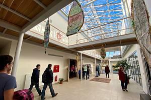 Den otevřených dveří v nově rekonstruované Základní umělecké škole ve Velešíně.