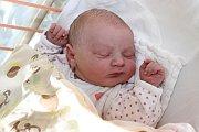 Ve středu 4. března 2015 sedm minut po sedmé hodině ranní se Adrianě a Marianovi Žákovým zKaplice narodila 50 centimetrů měřící a 3500 gramů vážící Veronika Žáková. Doma na ni čekal téměř tříletý bráška Dominik.