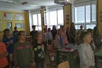 Žáci 2. stupně Základní školy ve Křemži už jsou zase doma.