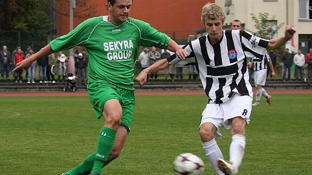 Fotbalové utkání krajského přeboru mužů / FK Slavoj Český Krumlov - FK Spartak Kaplice 2:1 (1:1).