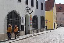 Hlavní českokrumlovská pošta na Latránu.