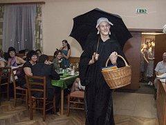 Hasičský ples v Holubově.