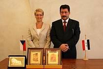 Irácký ministr nasměroval ve čtvrtek své kroky také na českokrumlovskou radnici.