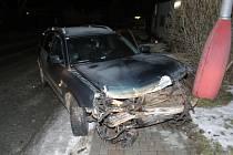 Cizinec s autem dostal smyk a narazil do domu.