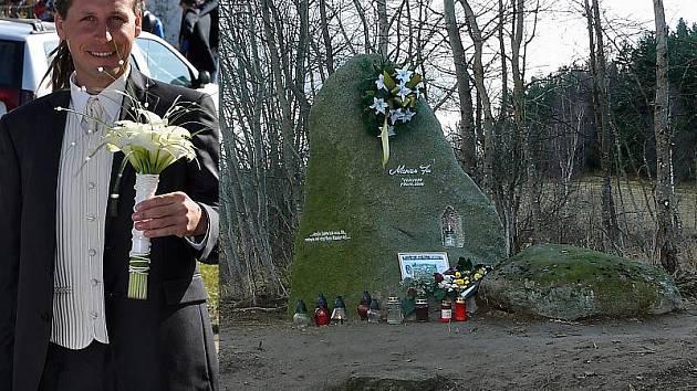 Pomníček u Střemil. Vlevo Marian Fic na vlastní svatbě nedlouho před tragickou nehodou.