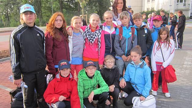 Kapličtí sportovci se Šárkou Kašpárkovou.