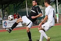 Fotbalové utkání krajského přeboru mužů / FK Slavoj Český Krumlov - FK Topmen Spartak Kaplice 2:2 (1:1).