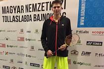 JAROMÍR JANÁČEK se na maďarském šampionátu po dvou výhrách probojoval až do finále kvalifikace singlu, kde však již ztroskotal na výborně hrajícím Bulharu Rusevovi.