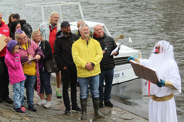 46. ročník Plavby kuriózních plavidel ve Vyšším Brodě.