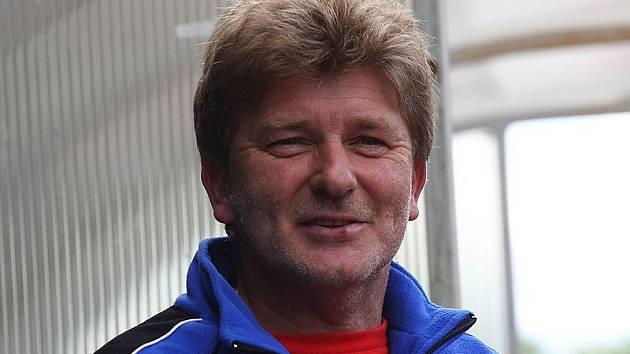 Trenér fotbalistů českokrumlovského Slavoje Václav Domin.