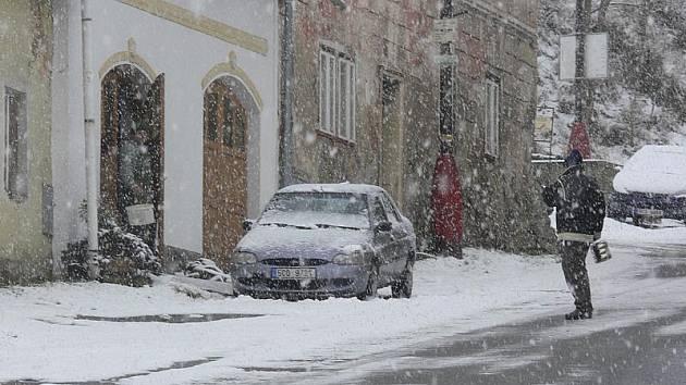 Ať sněžilo, na lyže to ještě není.