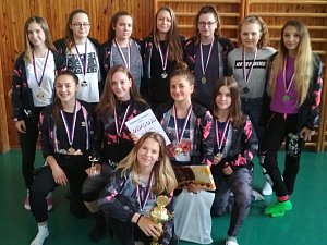 Starší žákyně krumlovského VSK triumfovaly při Velké ceně Sokolova.