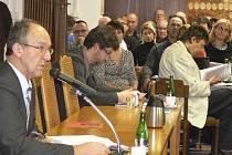 Českokrumlovští zastupitelé konečně zvolili starostu a jeho zástupce.
