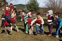 Bujanovské koláčové běhy, které se letos konaly v dubnu, přitahují do obce závodníky například i z Prahy či Mostu.