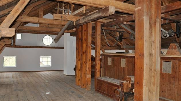 Holubovský mlýn zachránili jeho majitelé.