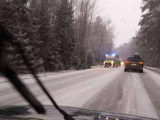 Sněžení komplikuje dopravu na Českokrumlovsku.