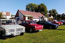 Setkání během tradiční Svatováclavské jízdy Veteran Car Clubu Kaplice.