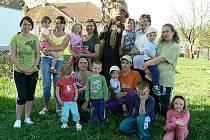 Maminkovské sdružení Dráčci Omlenička oslaví 5. září své první narozeniny.