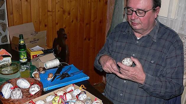 Jaroslav Weigel své umění prezentoval minulý týden v zubčickém pohostinství.