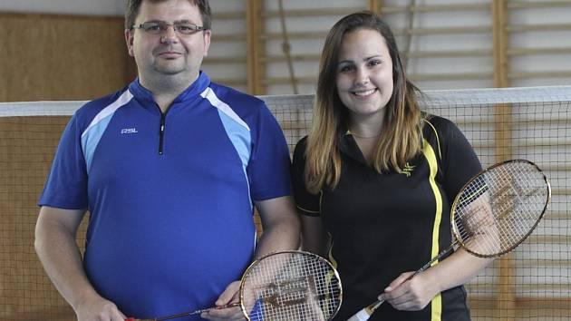 Trenér Radek Votava (na snímku se Sabinou Milovou) hodnotí výkon obou hráčů z našeho regionu na turnaji ve Slovinsku jako velmi dobrý.