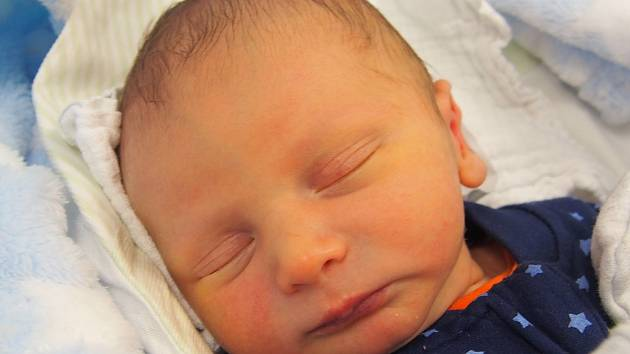 V pátek 16. srpna 2019 v 8.56 spatřil světlo světa Teodor Marčík. Prvorozený chlapeček s mírami 48 centimetrů a 3140 gramů se narodil Tereze Baselové a Davidu Marčíkovi. První zkušenosti bude sbírat v Českých Budějovicích.