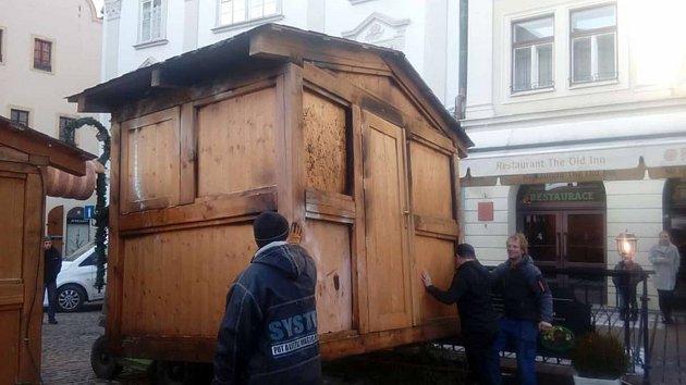 Požár stánku na trzích v Krumlově