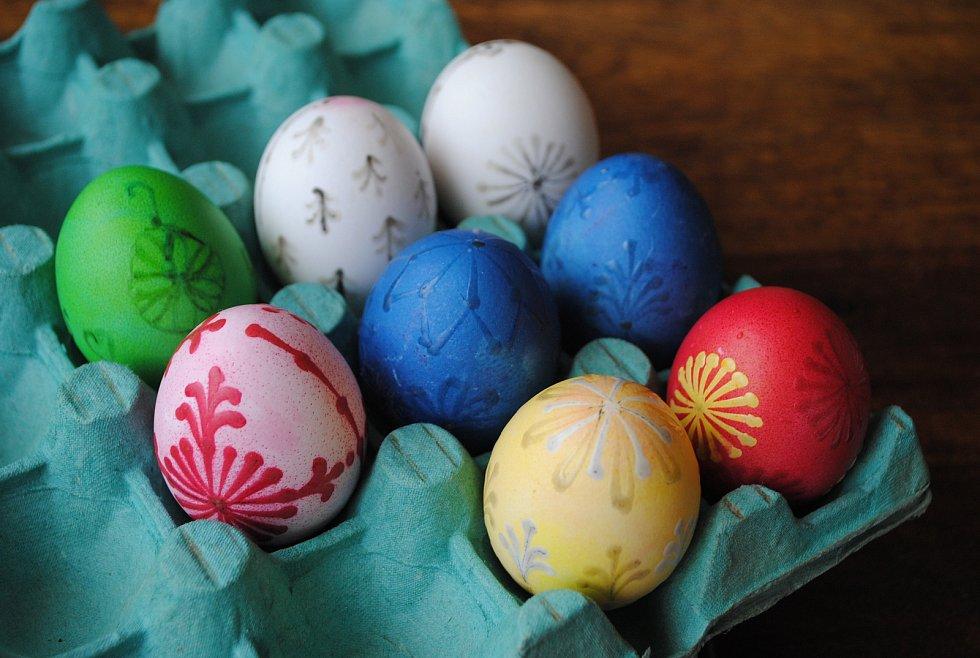 Vajíčka začínají dostávat finální podobu.